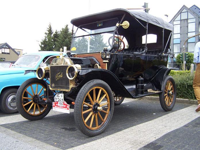 1296 0 La Ford modello T