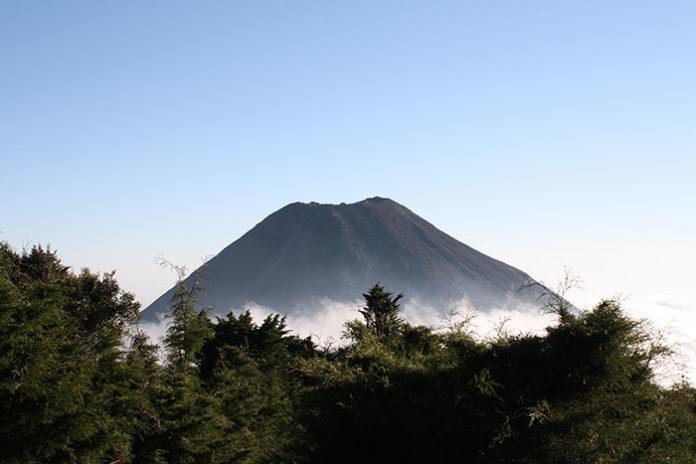 1319 0 Il volcano boarding