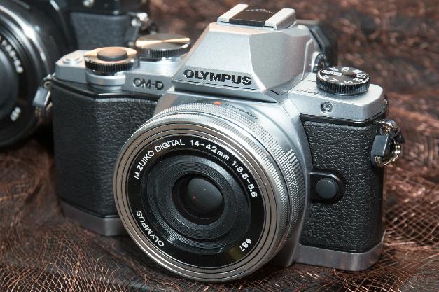 1746 0 Olympus_E M10