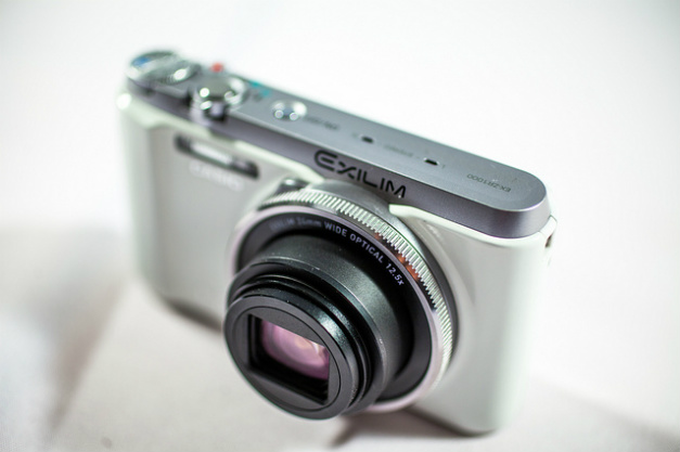 1747 0 Casio_EX ZR1000