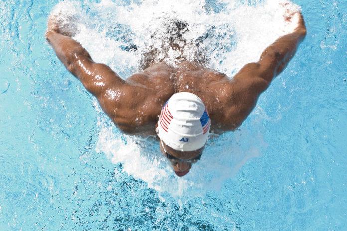 484 0 In piscina   la virata