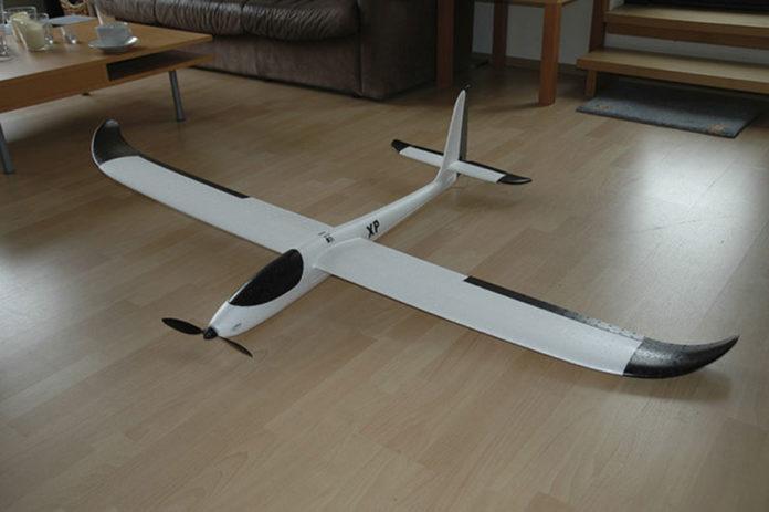 926 0 MODELLISMO   Velivoli e droni   Alianti. EasyGlider Electric